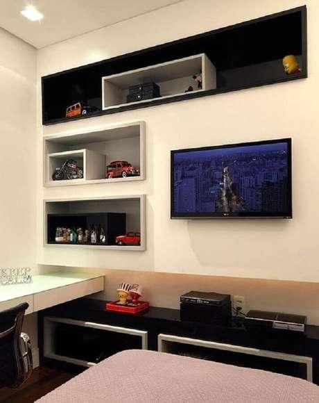 69. Decoração de quarto gamer simples com nichos embutidos – Foto: Casa de Valentina