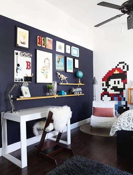 75. Quadros para quarto gamer decorado com adesivo do Super Mário – Foto: Home Fashion Trend