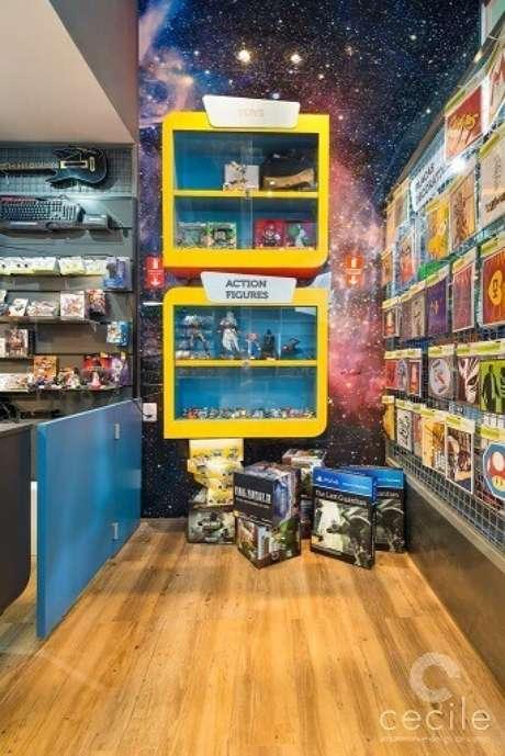 14. Ter um espaço separado para toys e action figures é o ideal. Projeto de Cecile Arquitetura Design