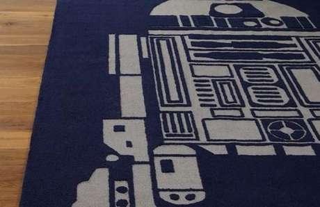 13. Tapetes com temática nerd, como este do R2D2, estão ficando mais fáceis de encontrar