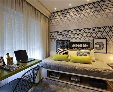 82. Papel de parede para quarto gamer moderno – Foto: Quartoon