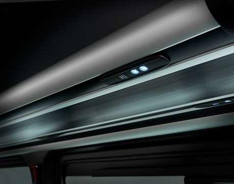 Sistema de iluminação interna para os passageiros do Mercedes Sprinter.