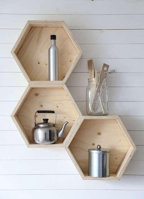 53. Guardar utensílios de cozinha em nichos podem ser uma boa escolha – Foto: Via Pinterest