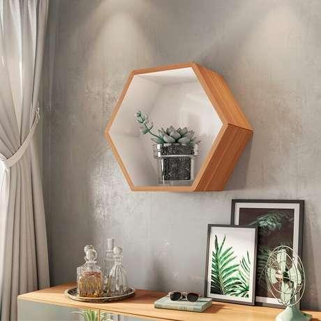 3. O nicho colmeia mdf é uma boa opção para qualquer decoração – Foto: Via Pinterest