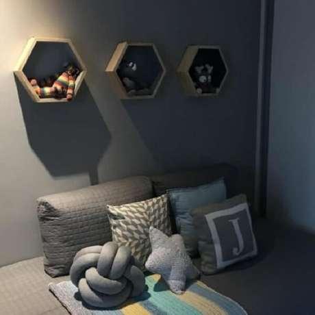 54. No quarto de bebê é um ótimo item de decoração e organização – Foto: Doce obra
