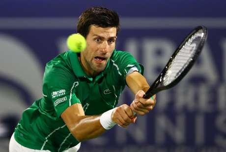Tenista Novak Djokovic em final do ATP 500 contra Stefanos Tsitsipas 29/02/2020 REUTERS/Ahmed Jadallah