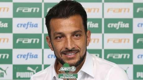 Assessor técnico do Palmeiras desde janeiro, Dracena estuda para ter cargo maior (Agência Palmeiras/Divulgação)