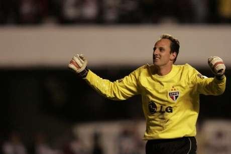 Rogério Ceni bateu recorde de Chilavert em 2006 (Foto: AFP PHOTO / MAURICIO LIMA)