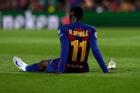 Dembélé sofreu com lesões em Barcelona (Foto: Josep LAGO / AFP)
