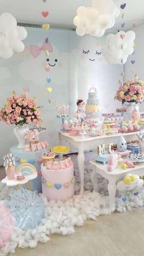 13. Linda decoração para festa chuva de bençãos como ideias de tema para mesversário – Foto: Casa e Festa