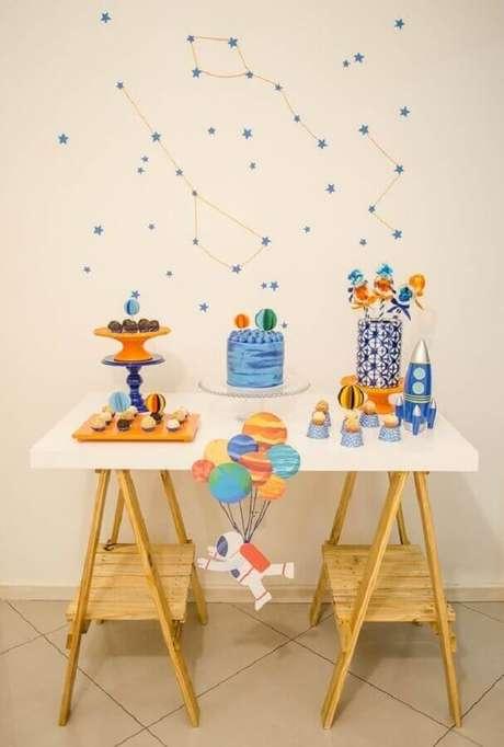 46. Invista na festa de astronauta como tema de mesversário menino – Foto: Catch My Party