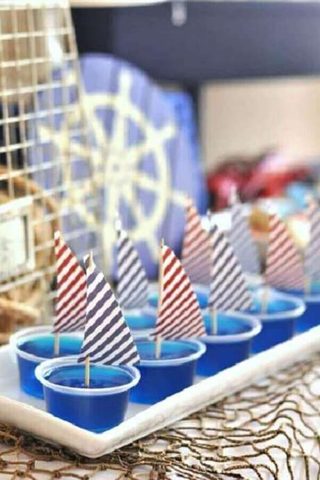 47. Doces decorados para tema de mesversário menino marinheiro – Foto: Pinterest