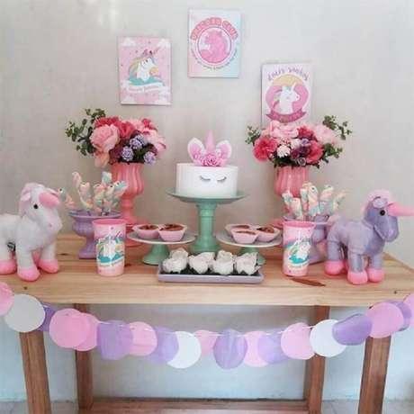 2. A festa unicórnio é um ótimo tema de mesversário menina – Foto: E-Roupas de Bebê