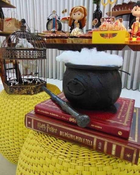 17. Use o mundo mágico do Harry Potter como ideias de tema para mesversário – Foto: Pinterest