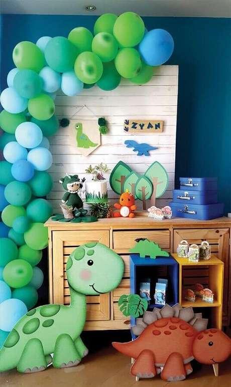 59. Temas de mesversário festa dinossauros – Foto: Ideias em Casa