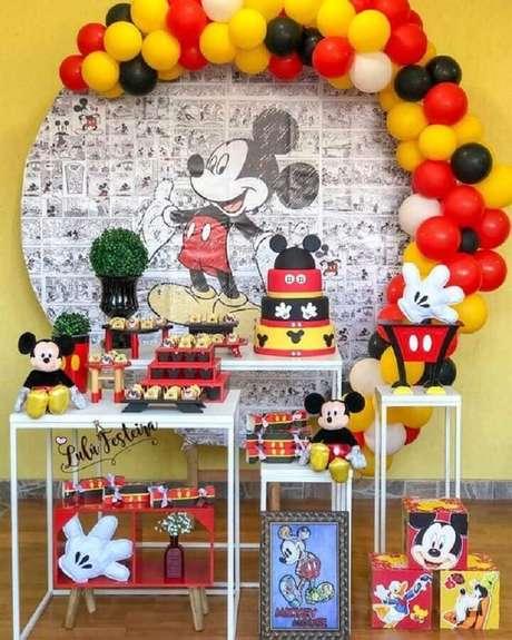 5. A festa do Mickey e da Minnie oferece várias possibilidades como temas de mesversário – Foto: Pinterest