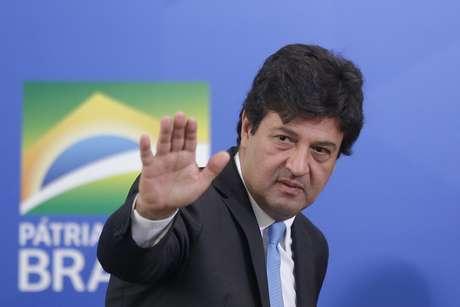 O ex-ministro da Saúde Luiz Henrique Mandetta durante a cerimônia de posse do seu sucessor, o oncologista Nelson Teich