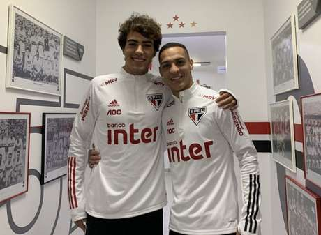 Igor Gomes pode se juntar a Antony no futebol europeu (Foto: Reprodução/Twitter São Paulo)