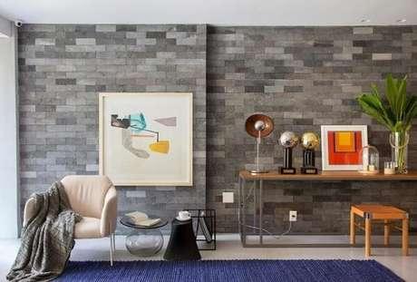 41. O aparador de ferro é um móvel perfeito para salas modernas. Fonte: Pinterest