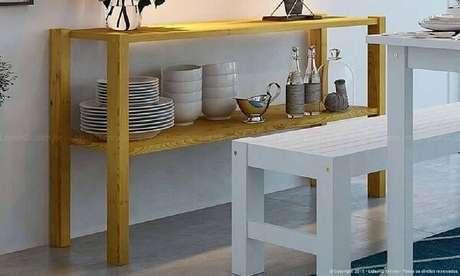 46. Sala decorada com simples aparador de madeira em estilo rústico. Fonte: Lojas KD