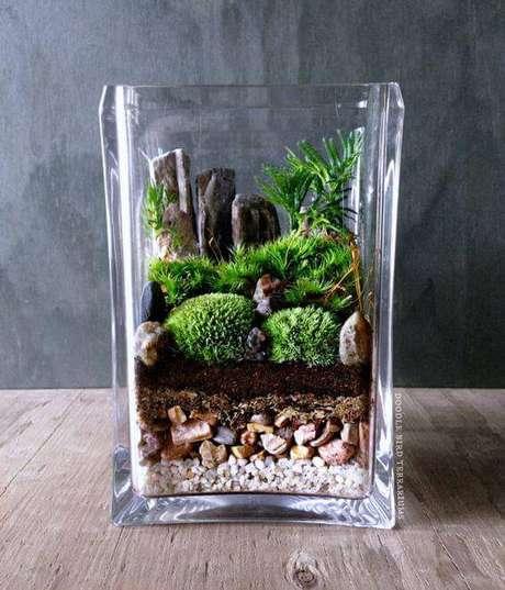 5. O terrário de vidro é o mais comum e permite que as camadas feitas sejam vistas. Fonte: Pinterest