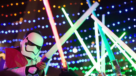 Sabres de luz se chocariam no ar? A física discorda de Star Wars