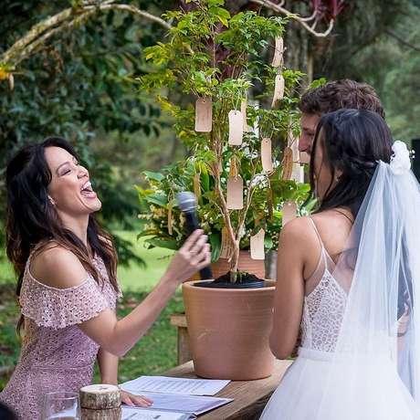 Ex-apresentadora do Vídeo Show e da TV Globinho, Geovanna Tominaga é celebrante de casamentos