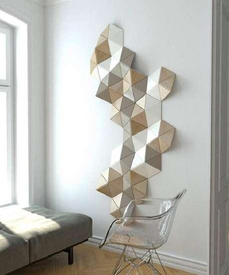 49. A escultura trouxe vida para a parede branca. Fonte: Pinterest