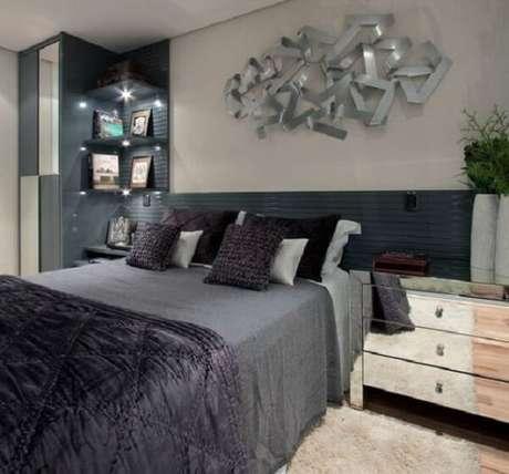 31. Decore o dormitório com uma linda escultura de parede metal. Fonte: Pinterest