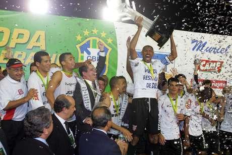 Paulista conquistou a Copa do Brasil de 2005 em cima do Fluminense