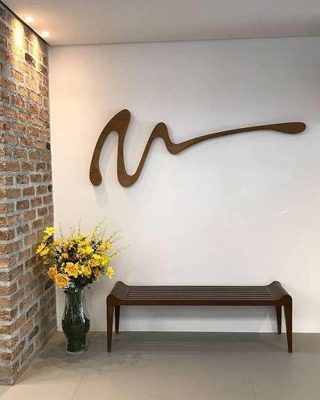 15. Reserve um espaço especial para expor sua escultura de parede. Fonte: Leonardo Bueno