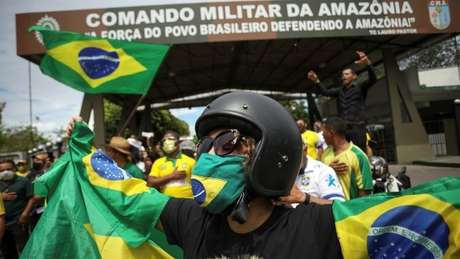 Em 19 de abril, manifestantes protestaram em Manaus contra medidas de isolamento social do governo estadual do Amazonas