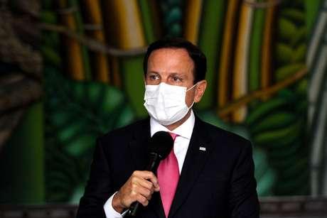 Doria evita críticas ao governo e elogia ministro interino