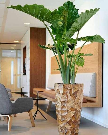 39. Vaso grande na sala de estar moderna – Via: Pinterest