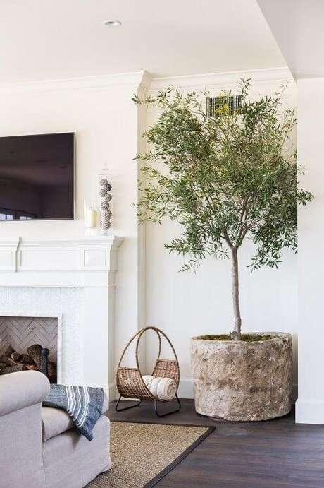 68. Vaso grande na sala de estar moderna – Via: Pinterest