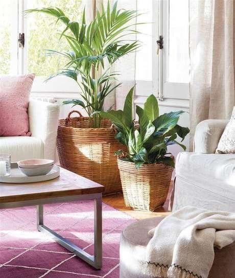 69. Vaso grande na sala de estar rústica – Via Pinterest