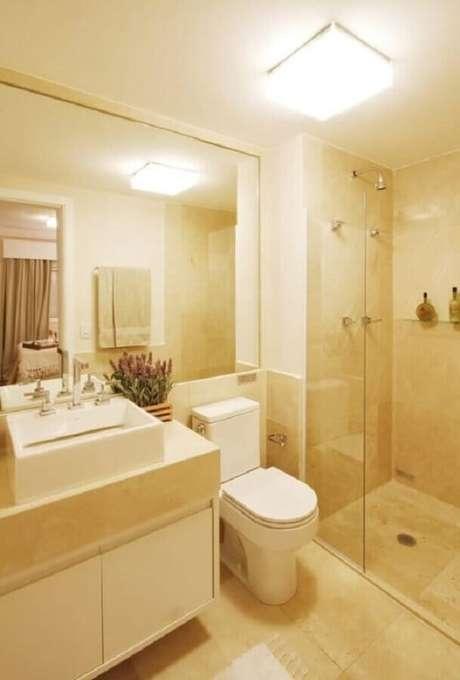 19. Banheiro pequeno decorado na cor creme – Foto: Dcore Você