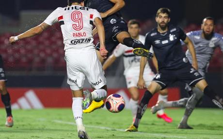 Pablo marcou duas vezes e garantiu a última vitória do Tricolor (Foto: Rubens Chiri/SPFC)
