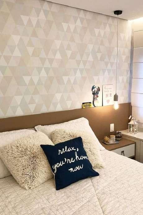 49. Quarto moderno decorado na cor creme – Foto: Papel Decor
