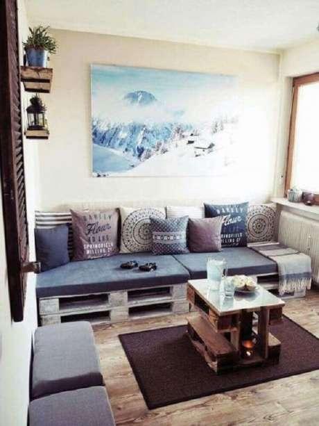 14. Decoração criativa com sofá modular de pallet. Fonte: Pinterest
