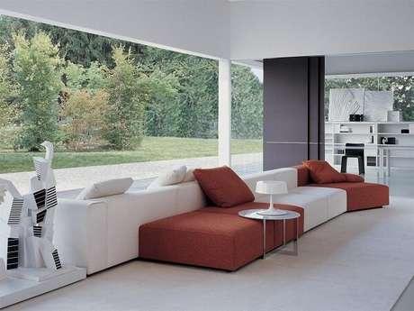 11. Na dúvida, mescle diferentes cores no seu sofá modular. Fonte: Pinterest