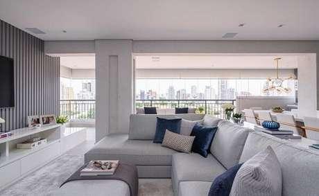 12. O sofá modular é perfeito para a sala de TV. Fonte: Monise Rosa Arquitetura