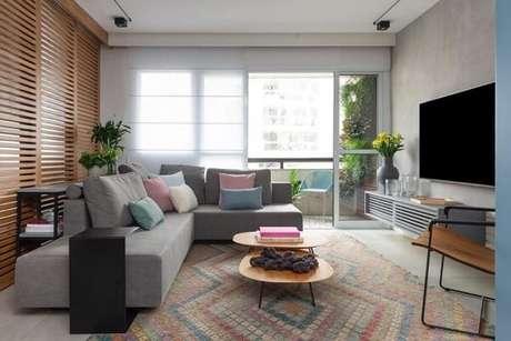61. O sofá modular é readaptável ao espaço. Fonte: Duda Senna