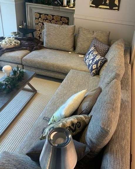 74. Os sofás modulares separados se adaptam de acordo com o seu espaço. Fonte: Manel Decoracion