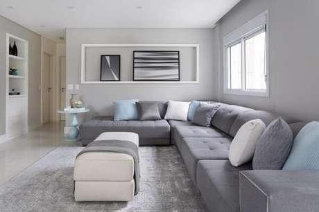 4. Preencha o espaço da sua sala de estar com um sofá modular. Fonte: Monise Rosa