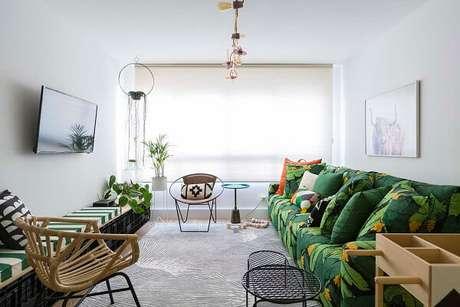 62. Sala neutra com sofá modular estampado. Fonte: Pinterest