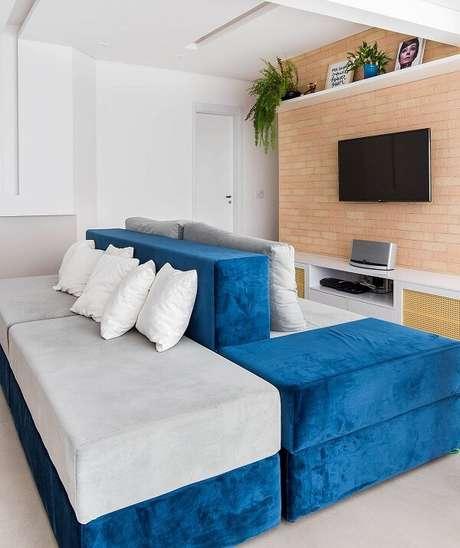 80. Um sofá traz inúmeras possibilidades de design. Fonte: Pinterest