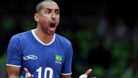 Serginho foi bicampeão olímpico pela seleção brasileira de vôlei, em 2004 e 2016