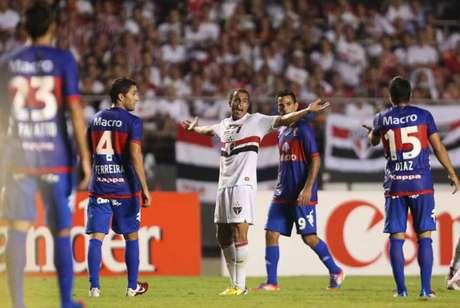Lucas marcou um gol em sua despedida do São Paulo (Foto: Tom Dib/Lancepress!)