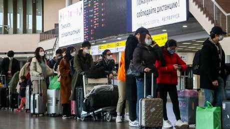 Segundo o pesquisador de Oxford, as viagens influenciaram a rápida disseminação do coronavírus